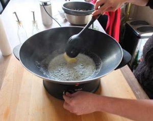 Lorsque le beurre commence à frémir